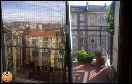 Protezione balconi per gatti termosifoni in ghisa scheda for Grate in legno per balconi